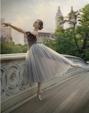 芭蕾为什么而旋转?